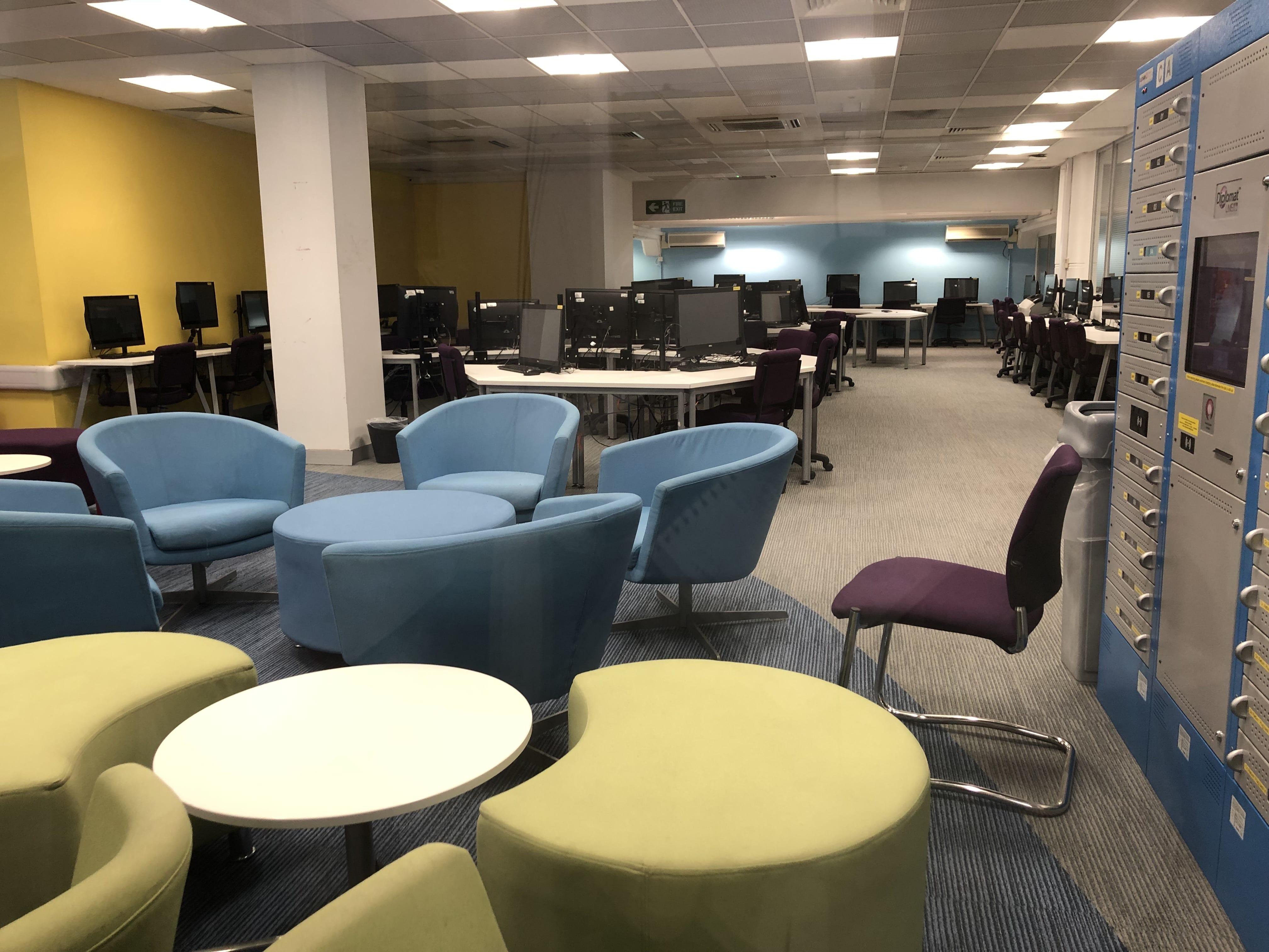 U of Westminster--Computer Lab + Laptop Rental Station