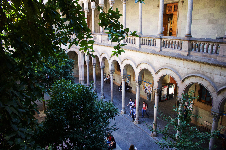 University of Barcelona campus - Courtyard UB 3