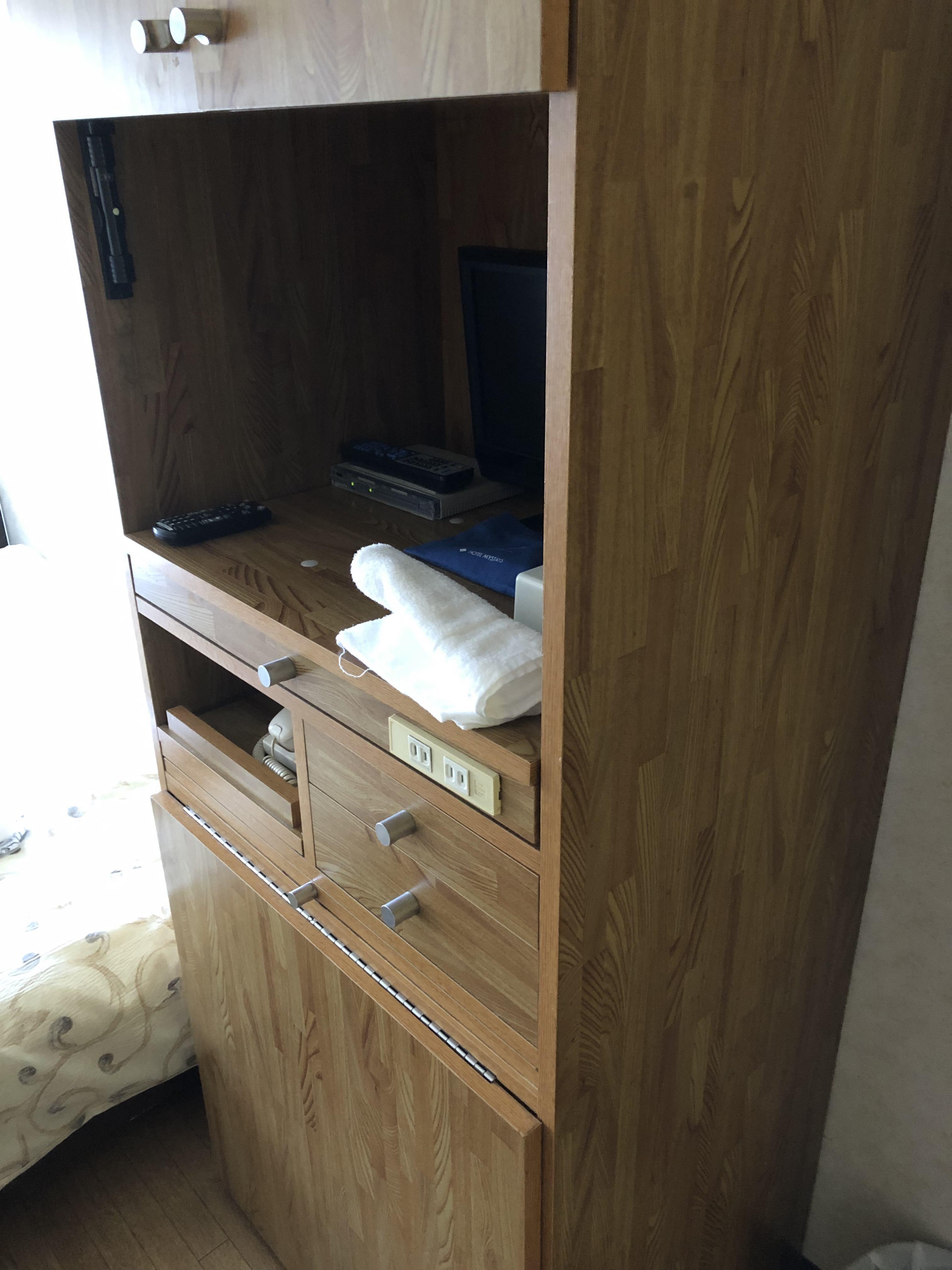 jan:summer housing tokyo - storage 1