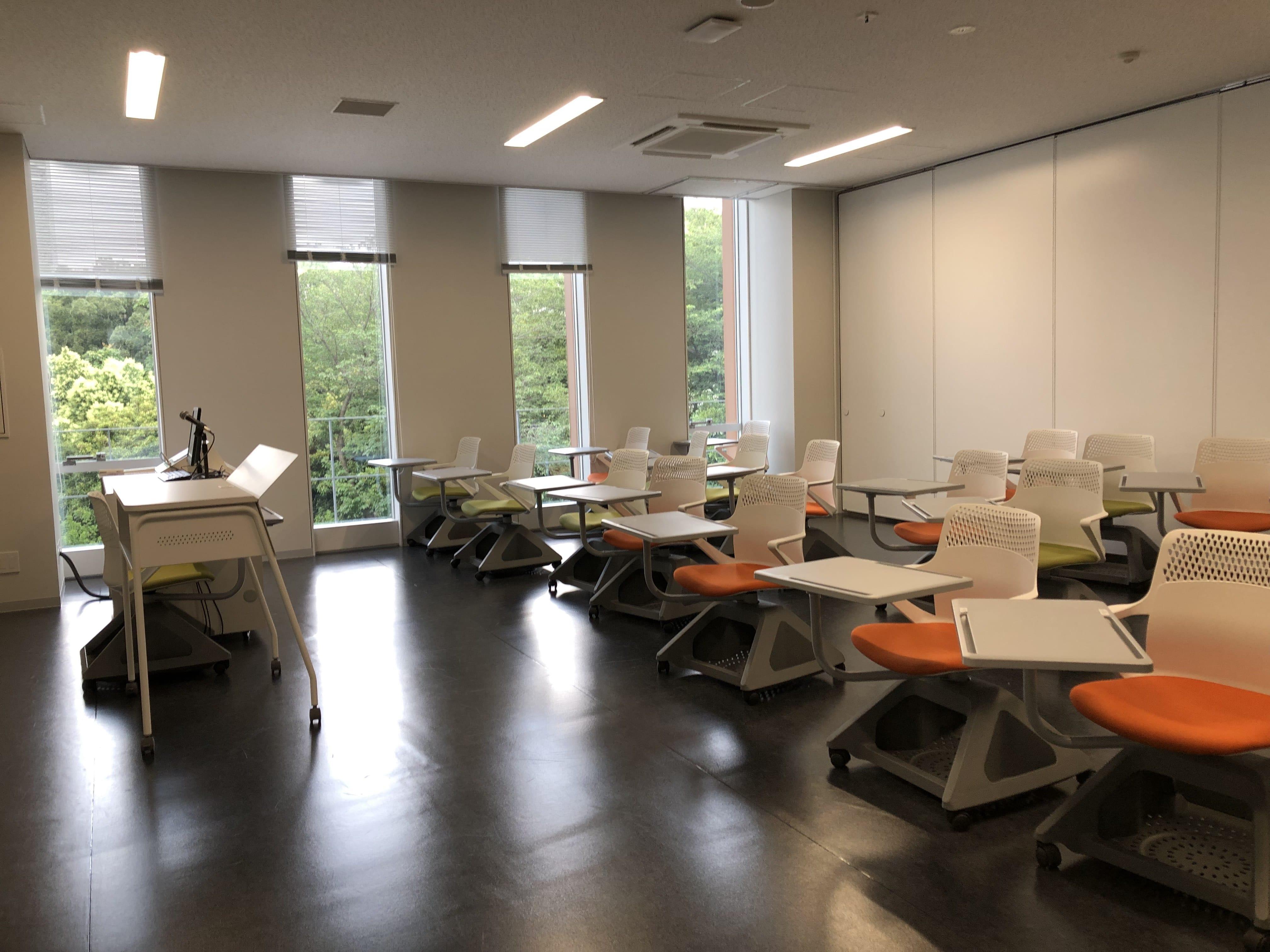 Oberlin University - Shinjuku Campus - photo 22